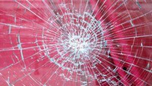台風大阪2019はやばい?物置が倒れるしガラスが割れる?